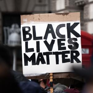 Sign saying 'Black lives matter'
