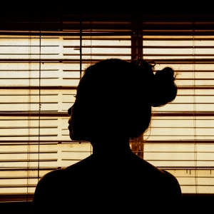 silhouette-of-woman