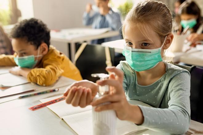 school kids wearing masks