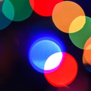 Close up lights that look like venn diagram.